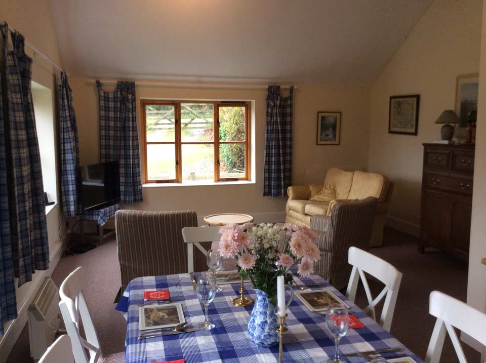 Exmoor-holiday-Cottage-kitchen-diner