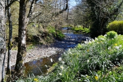 Exmoor-Holiday-Cottage-Lounge-garden-river2